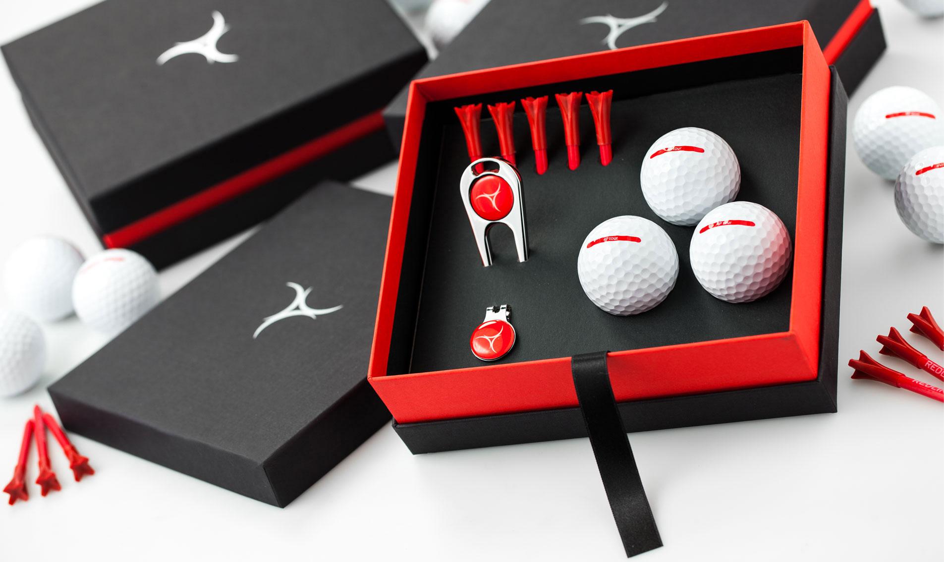golfcadeau: bedrukte golfballen in een oogstrelende golfcadeaubox